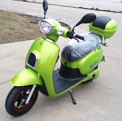 Brand New Electric Worm 800 Watt Scooter Moped (Color: Green)